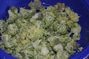 Yıkanıp doğranmış brokoliler hazır...